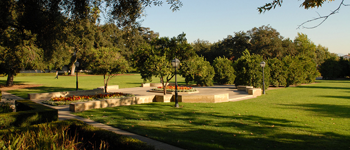 outdoor lawn at scripps college