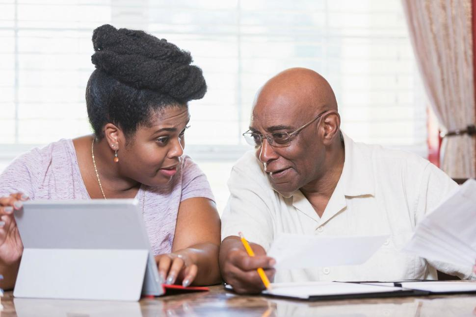 How to Help Aging Parents Manage Portfolios